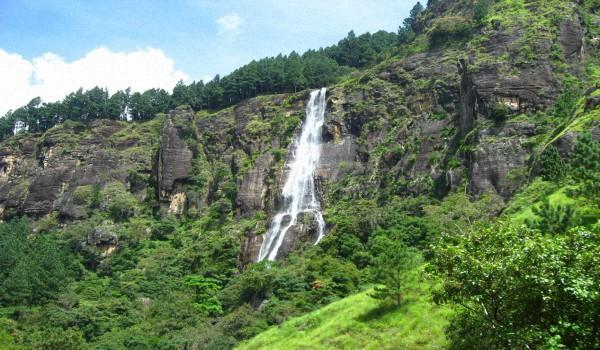 Шри-Ланка-–-красивые-водопады