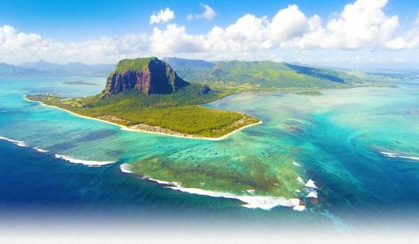 Подводный-водопад-на-Маврикии